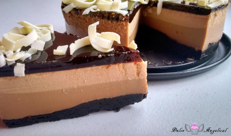 Receta casera de la tarta de café y chocolate blanco