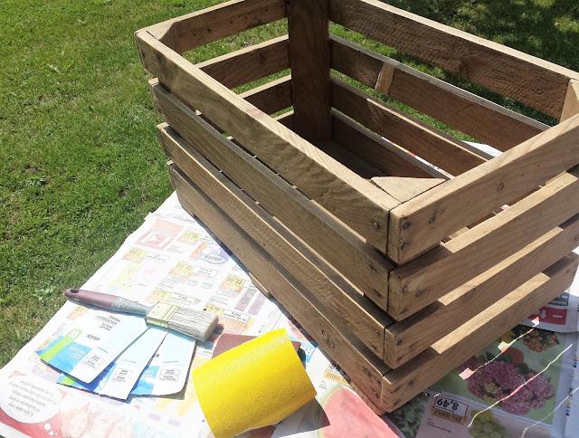 jak zrobić skrzynię na zabawki ze skrzynki po jabłkach