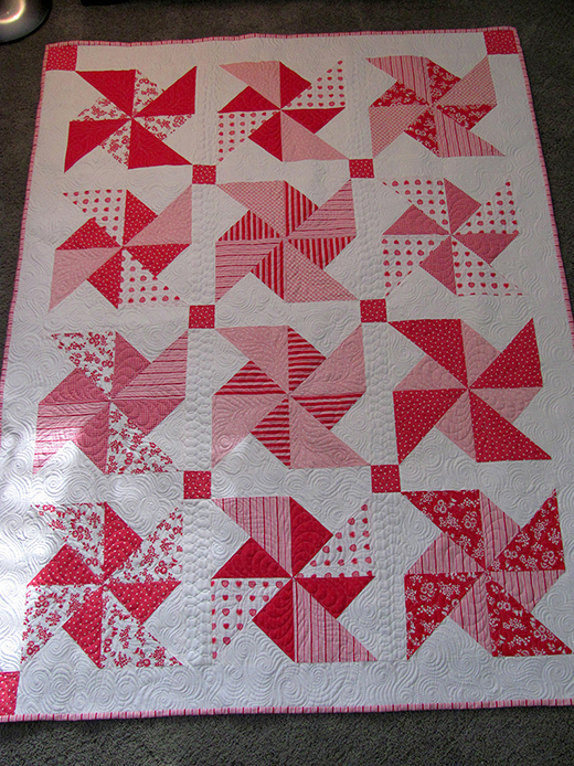 Pinwheels in the Park Quilt made by Angela Walters of Quilting is My Therapy, The Tutorial by Rachel Measham-Pywell of Sew Mama Sew,