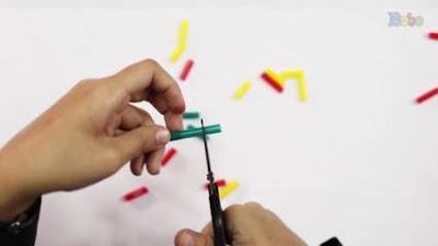 cara membuat gelang dari sedotan dan tali sepatu