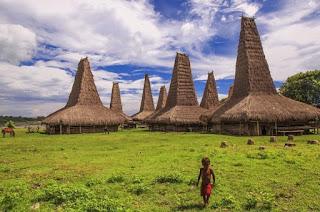 kampung_ratenggaro