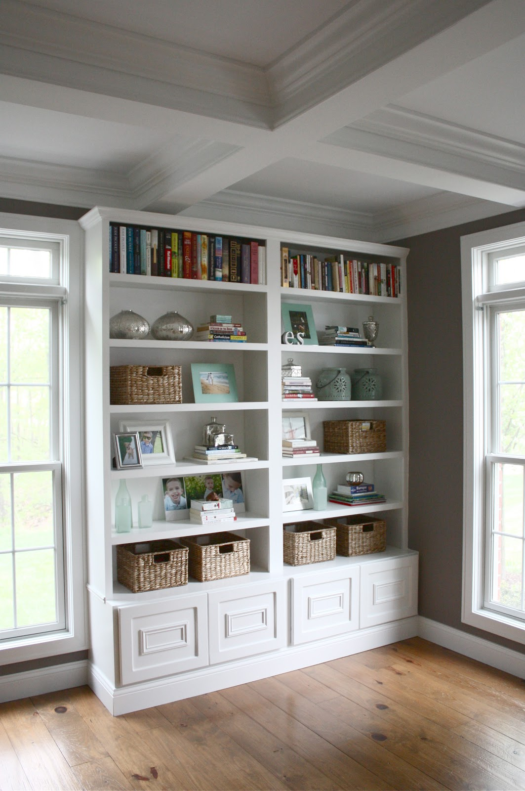 The Yellow Cape Cod: Four Simple Steps To A Great Bookcase