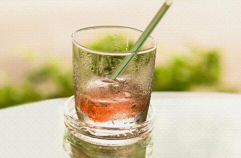 Aman minum es saat haid dan tidak bikin gemuk buncit