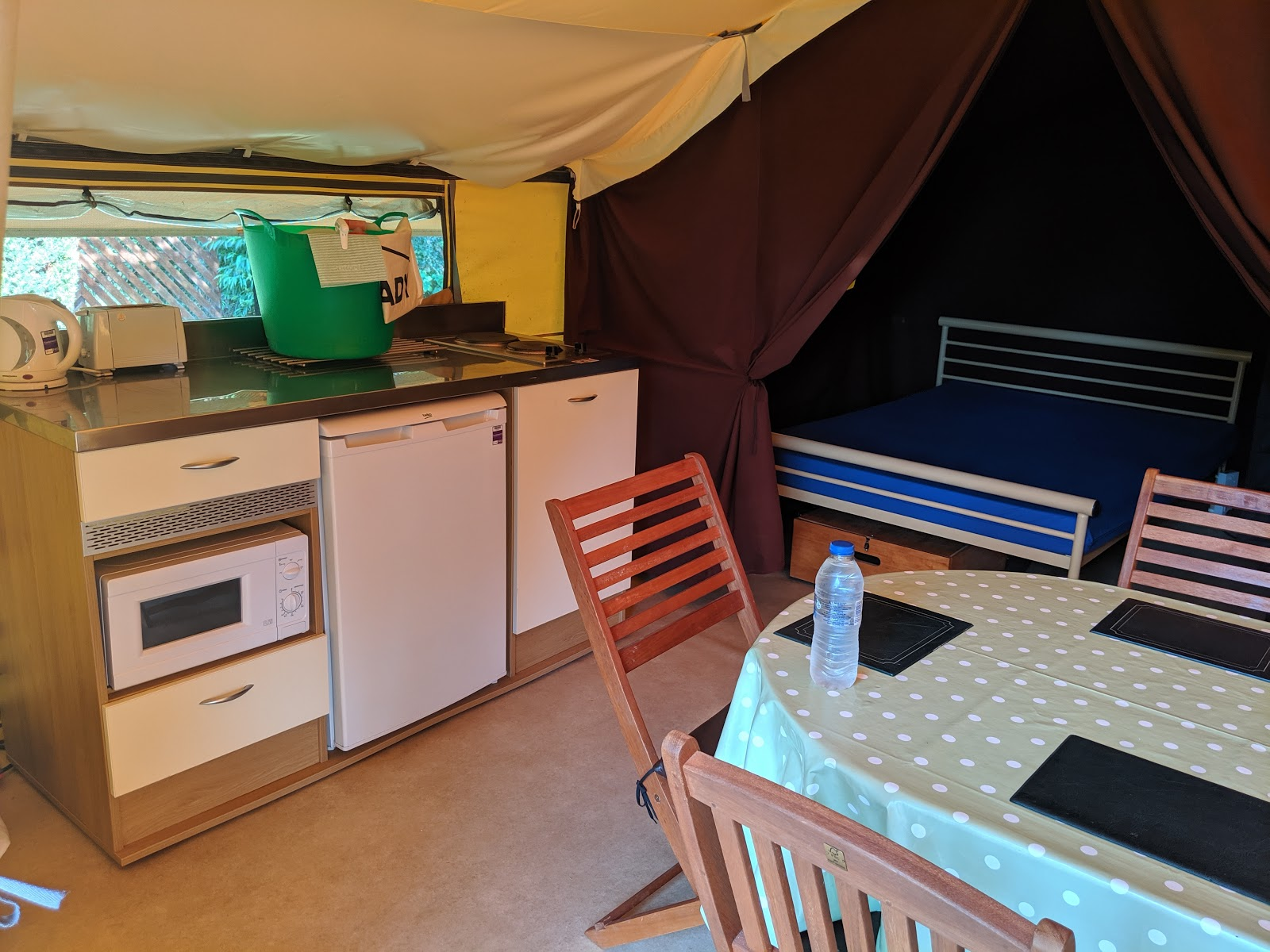 Ready Camp Horsley Review : Glamping near LEGOLAND and Chessington World of Adventures - tent kitchen area
