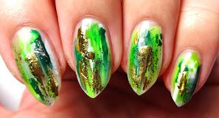 Abstract Green Nails