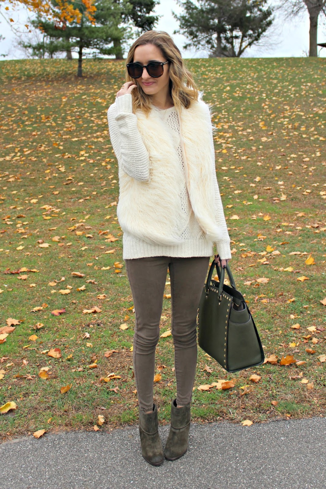 cozy thanksgiving outfit