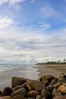 Tempat Traveling Pantai Panjang Bengkulu