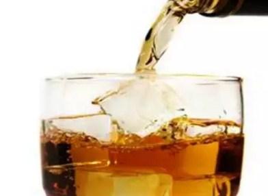Minum Alkohol Lebih Cepat Tua