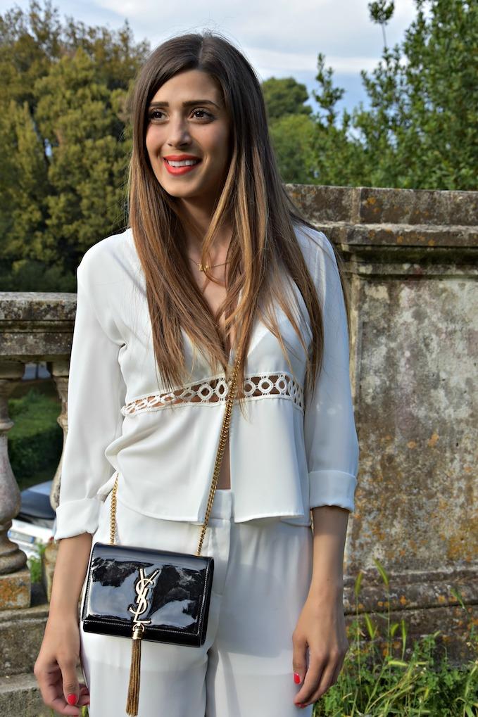 Total white: il look tutto bianco che fa tendenza