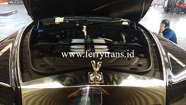 Gambar Tampak depan Mobil Sport Rolls Royce Phantom