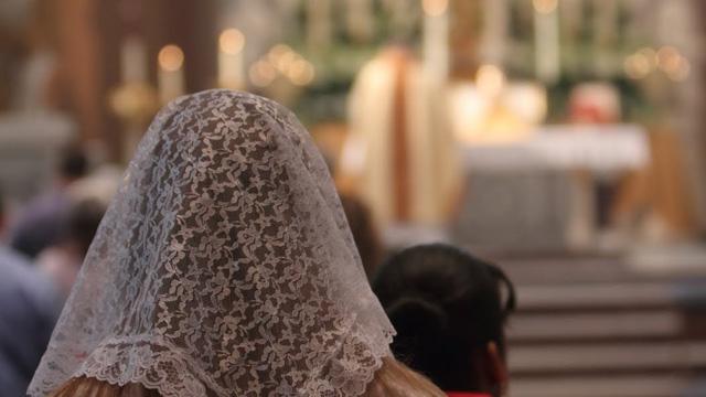 A invasão das mulheres no Altar e o feminismo que entrou na Igreja