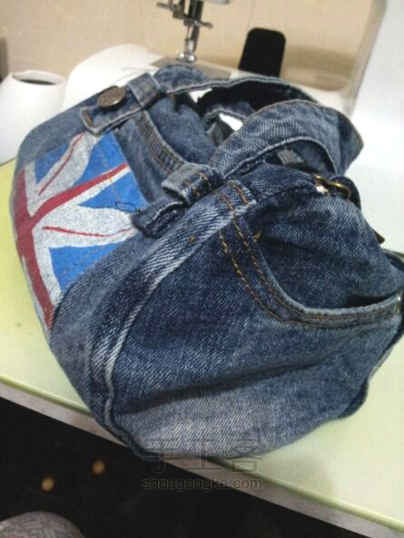 Handbag of denim shorts. Сумочка из джинсовых шорт.