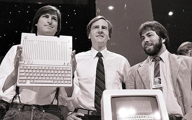 Стив Джобс основатель