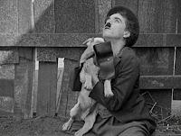 """Кадр из фильма Чарли Чаплина """"Собачья жизнь"""" / A Dog's Life (1918) - 19"""