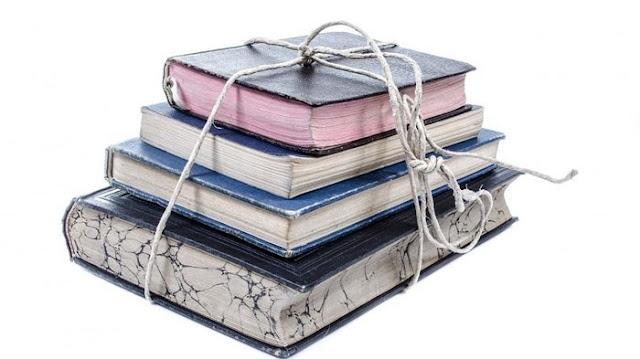hubungan buku teks dengan kurikulum yang membutuhkan panduan teknis memahami buku guru dan buku siswa