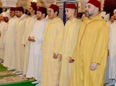 انشطة ملكية - جلالة الملك يؤدي صلاة الجمعة بمسجد حسان بالرباط