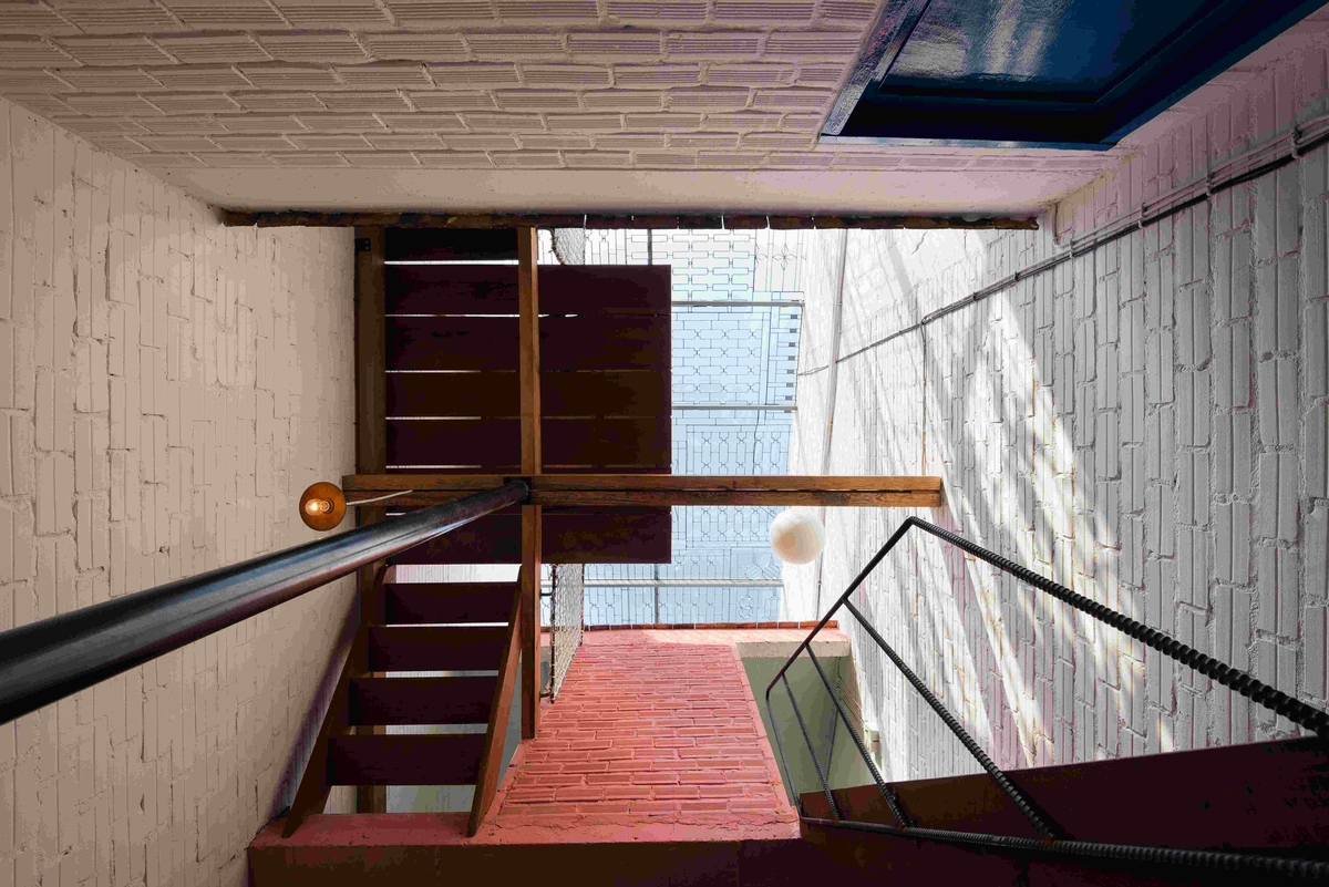 08-a21Studio-A-Home-Where-the-Rooms-Look-Like-a-small-Village-www-designstack-co
