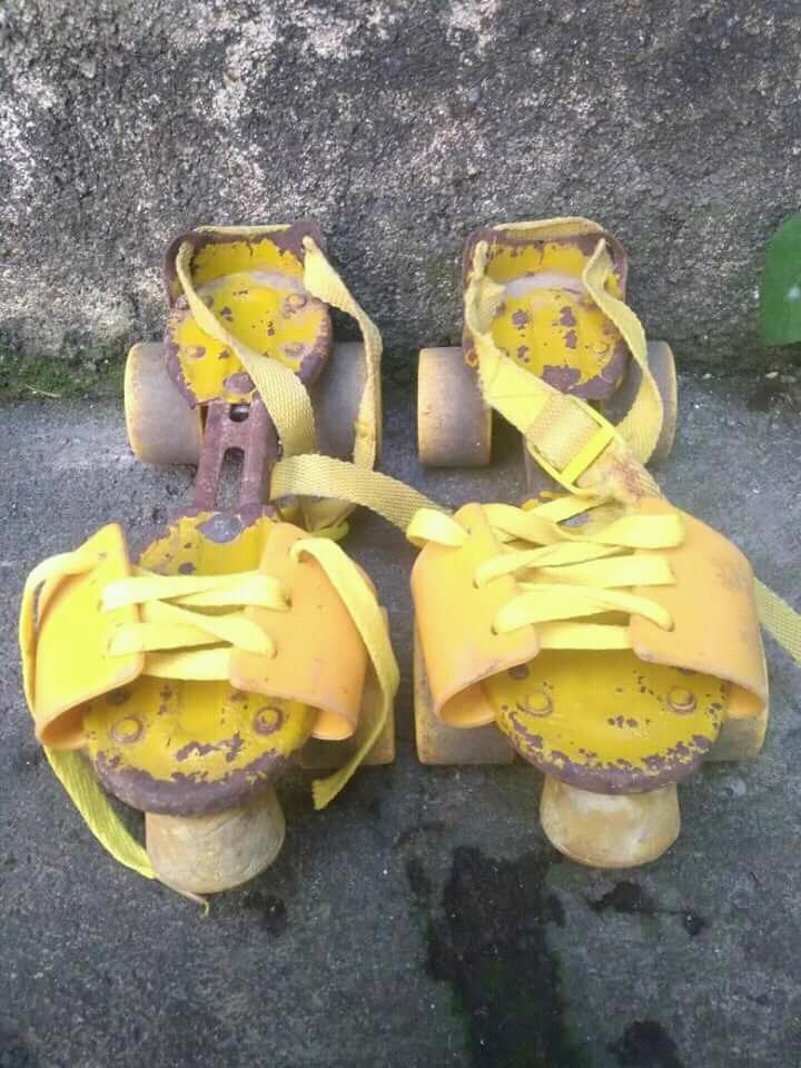 Roro Mendut Klithikan  Sepatu Roda Seiko Kuning 804b6db553