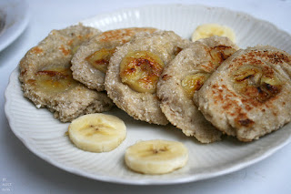 http://be-alice.blogspot.com/2016/06/thai-banana-coconut-pancakes.html