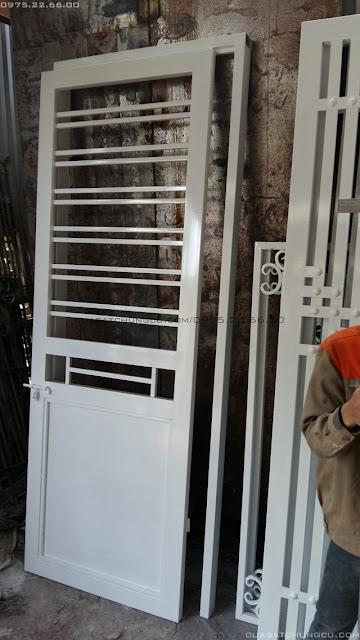 Cửa sắt bảo vệ chung cư N02-T2 Ngoại Giao Đoàn