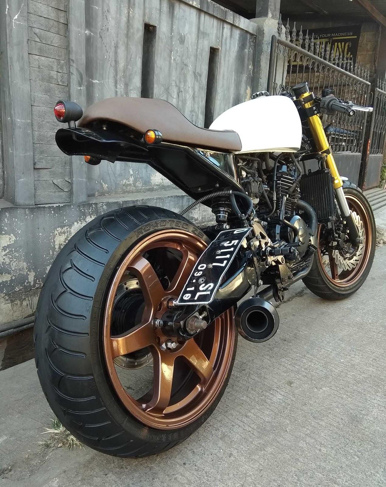 Modifikasi Motor Custom Neo Caferacer Yamaha Byson