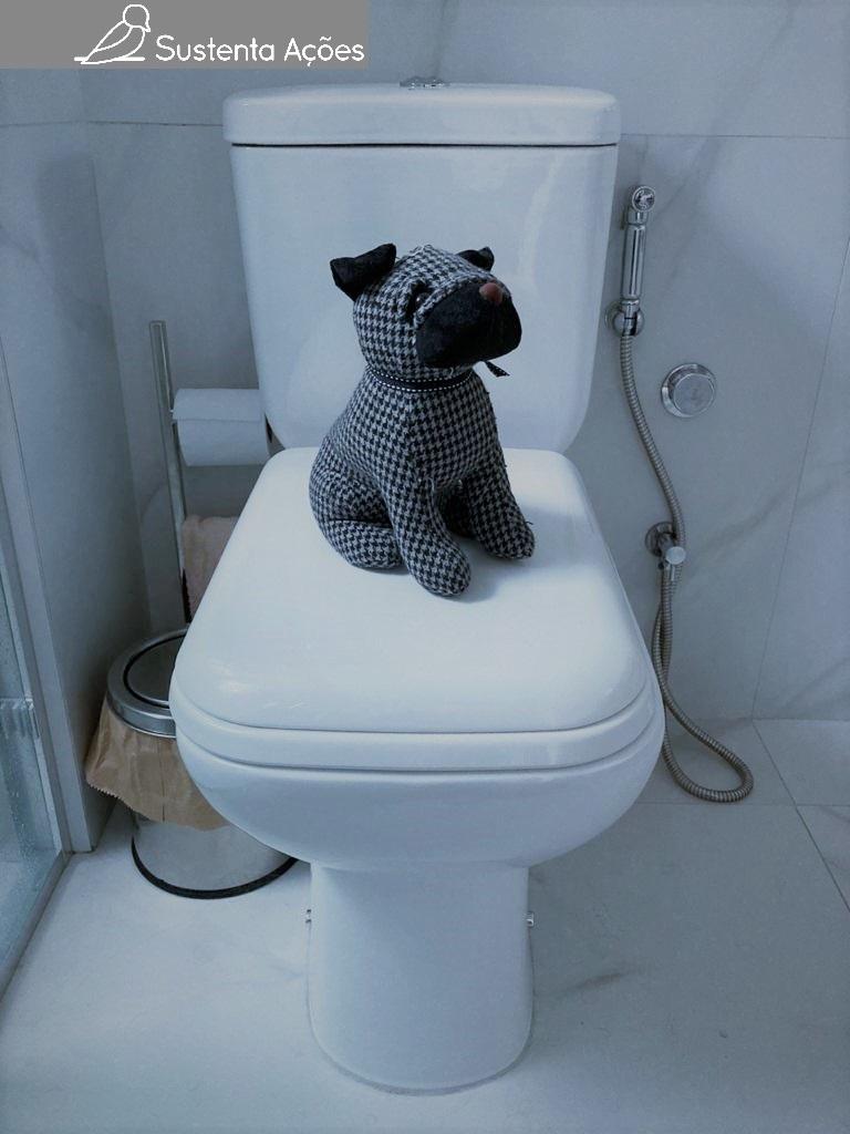 Não seria legal se os animais de estimação pudessem fazer suas necessidades direto no vaso sanitário?