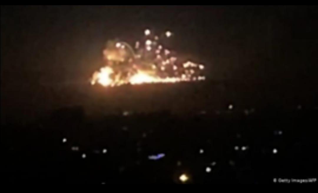 غارات الكيان الغاصب تشعل المنطقة. المرصد