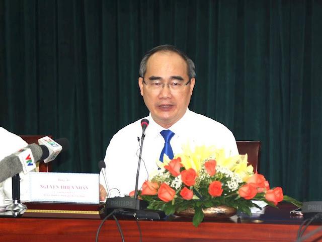 Bí thư Thành ủy TPHCM phát biểu tại buổi họp mặt