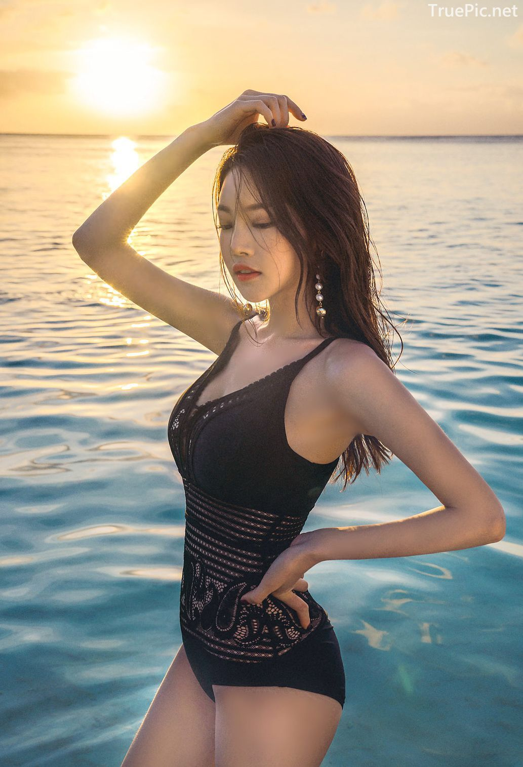 Park Jeong Yoon - Can't Help Falling - Korean swimsuit and model - Picture 3