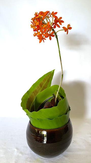 Seni Merangkai Bunga Aliran Sugetsu