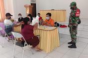 Babinsa Koramil Sepang Kawal Penyaluran BST Kecamatan Mihing Raya