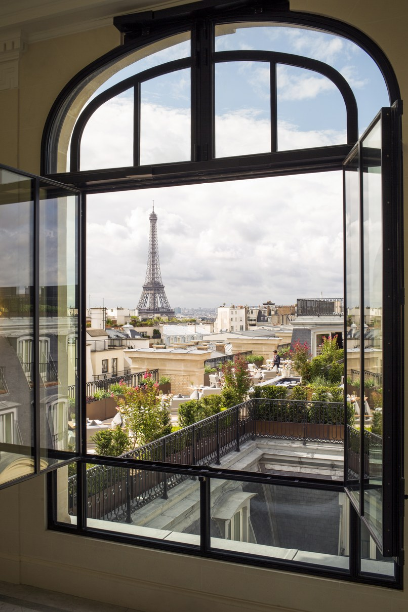 3 Paris Hotels With Eiffel Tower View Travel Daisy