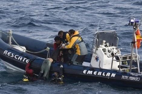 إسبانيا تنقذ مهاجرين ركبوا البحر من شمال المغرب
