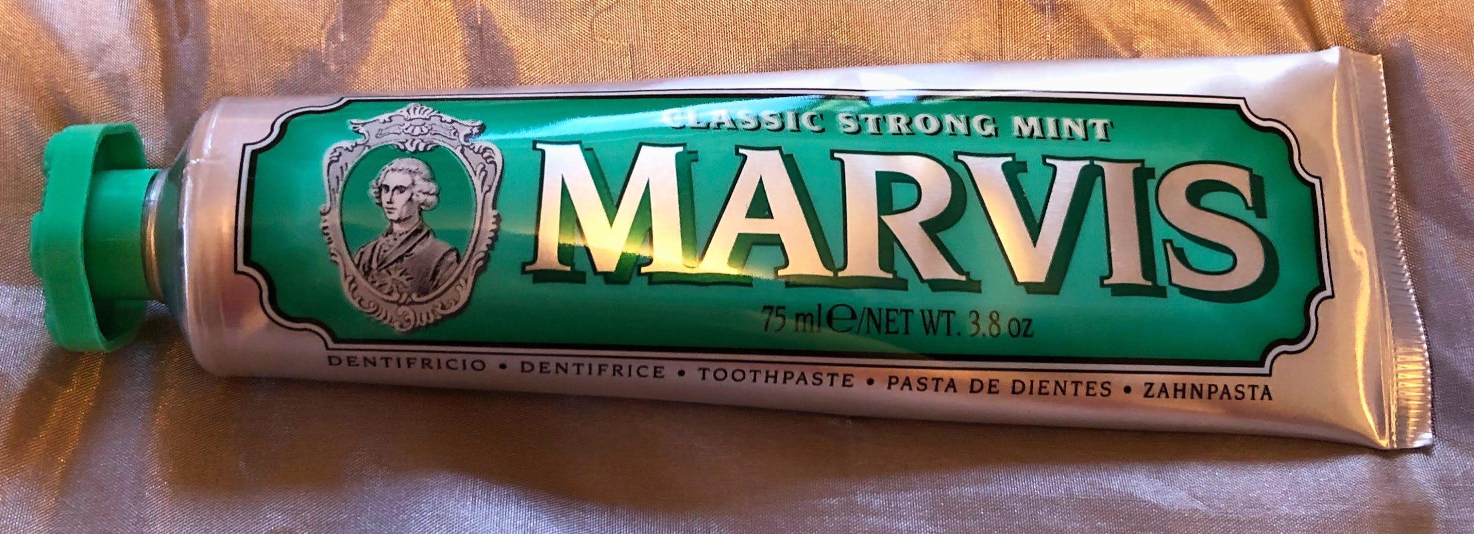 Marvis Class Strong Mint toothpaste