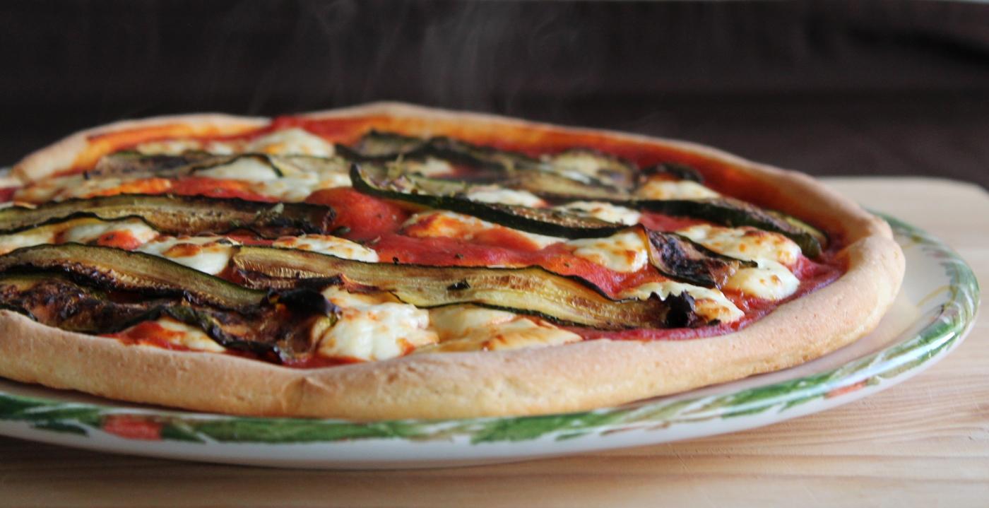 pizza avec fromage certosa e courgettes r ties sans gluten la cassata. Black Bedroom Furniture Sets. Home Design Ideas