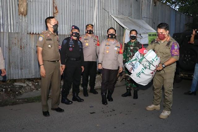 Jajaran Polresta Tangerang, Kodim Tigaraksa, dan Pemkab Gelar Patroli Skala Besar, Tertibkan Baliho FPI