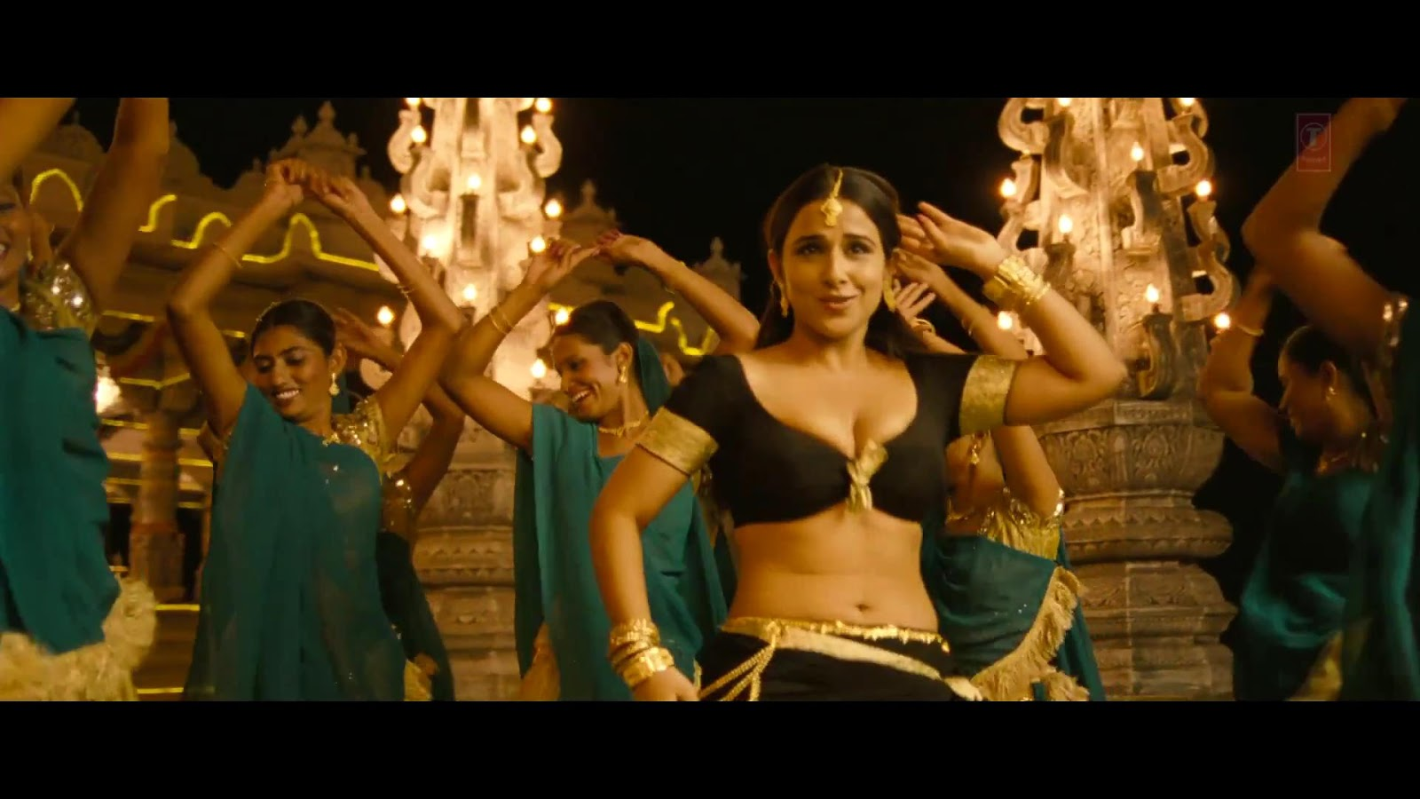 Bollywood World HD: Ooh La La Tu Hai Meri Fantasy (Full
