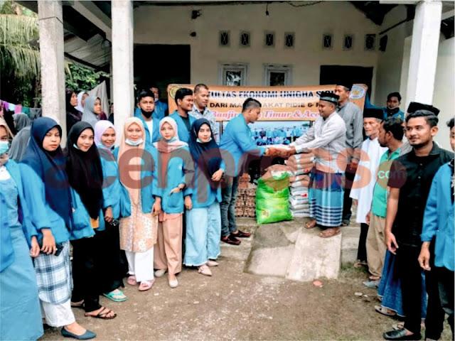Mahasiswa Fakultas Ekonomi Unigha salurkan bantuan pada korban banjir di Aceh Utara