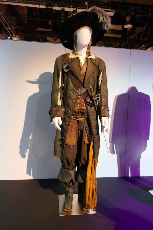 Geoffrey Rush Pirates of Caribbean Captain Barbossa costume