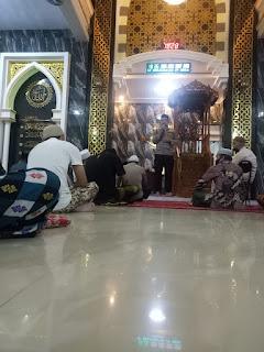 Safari Kamtibmas , Kapolres AKBP Kadarislam Ajak Jamaah Masjid Darussalam Tingkatkan Keimanan Untuk Keamanan