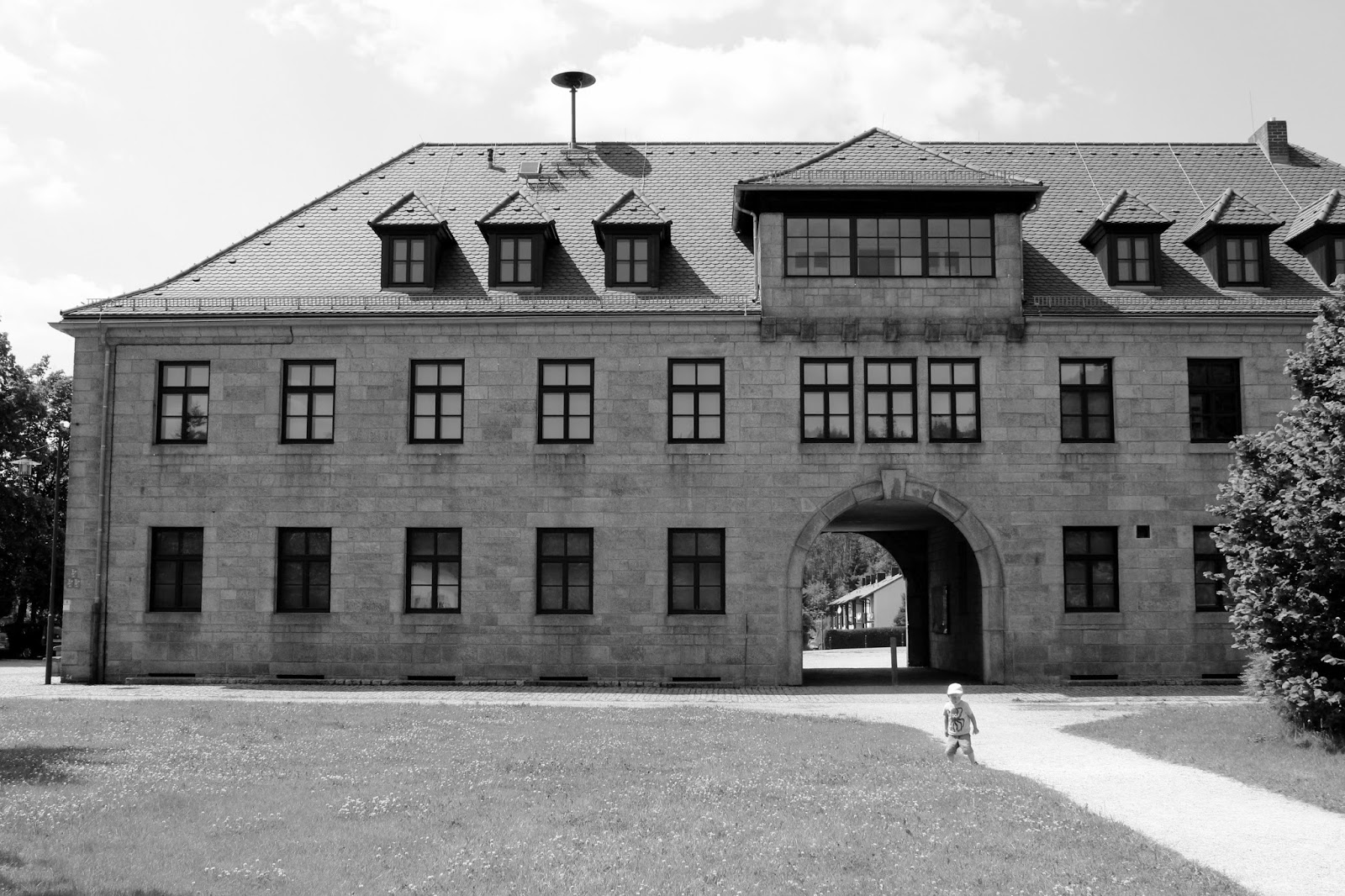 American Concentration Camps, Then and Now | Common Dreams ... |Concentration Camps Buildings