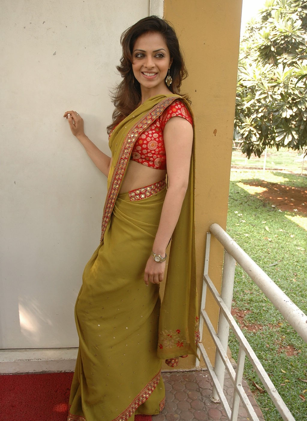 Indian Saree Aunty