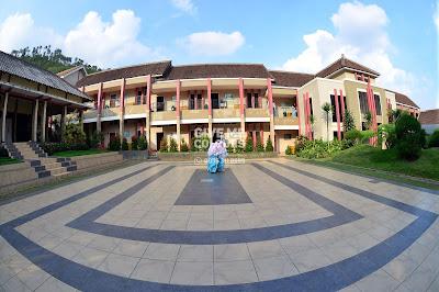 Al-Izzah International Islamic Boarding School