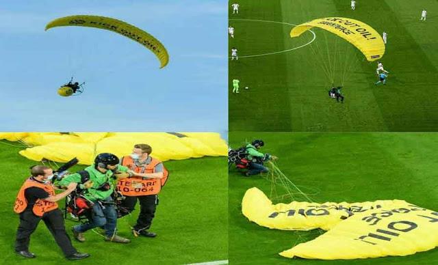 Allemagne : un ULM frôle les tribunes et s'écrase sur la pelouse, le pilote