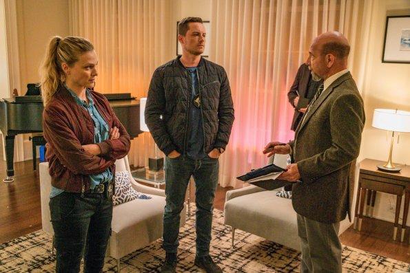 """NUP 187866 0305 595 - Chicago PD (S07E01) """"Doubt"""" Season Premiere Preview + Sneak Peek"""