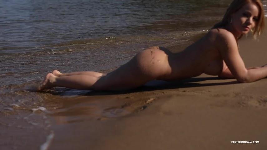 [PhotoDromm] Brooke - Deep Sands