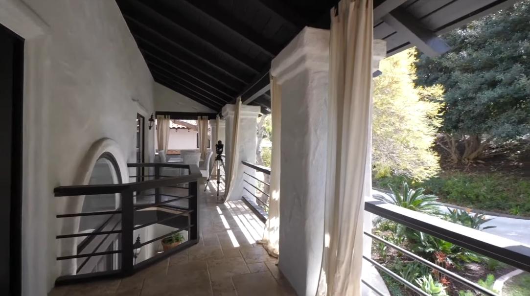 19 Interior Design Photos vs. Tour 17667 Calle Mayor Rancho Santa Fe CA