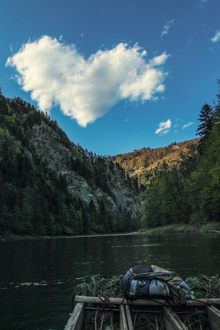trzy korony, spływ dunajcem, dunajec, rzeka, pieniny, pieniński park krajobrazowy, serduszko, serce, serce chmurka ,chmura