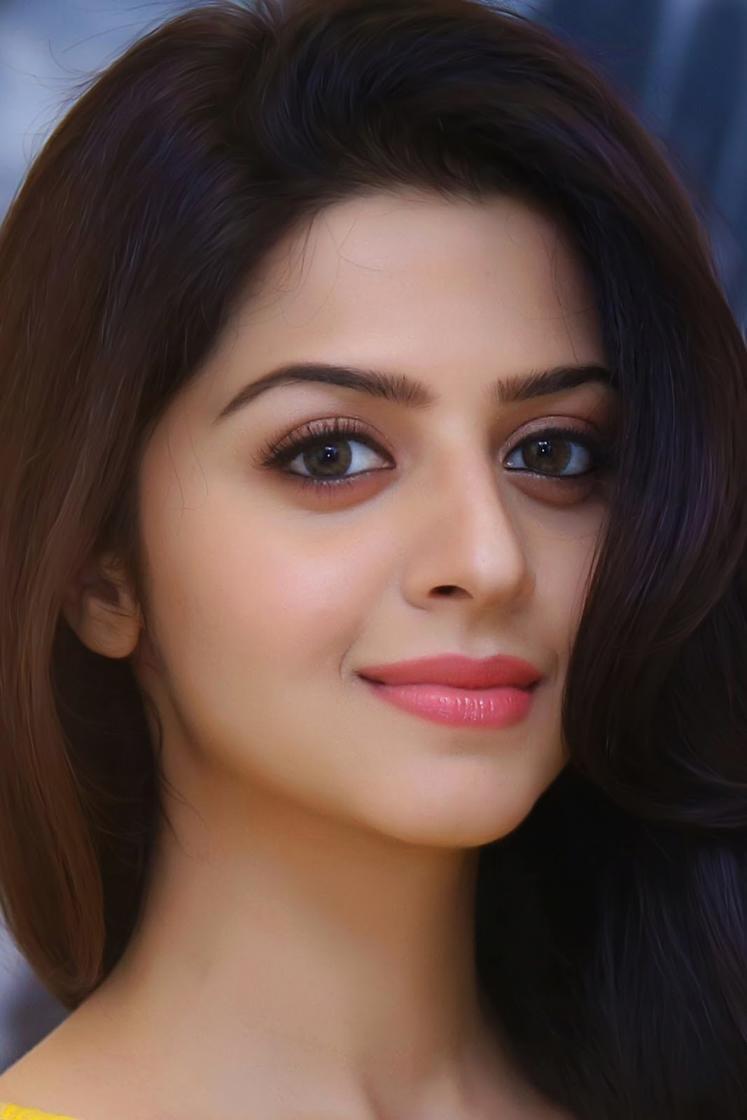 Malayalam Actress Vedhika Long Hair Smiling Face Close Up Stills