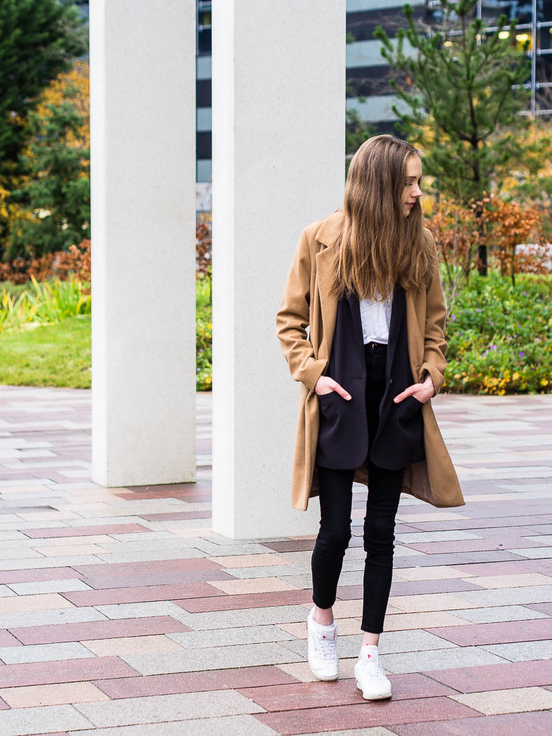 camel-coat-outfit-with-boyfriend-blazer